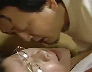 Japonaise de la belle-mère anal amour