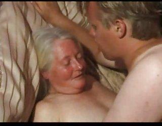 Ancienne granny clignote pornu france