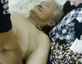 Asiatique mamie 1 film vidéo porno