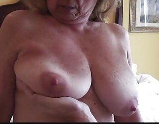 Busty mature naturels gros seins rudement traités recherche film x