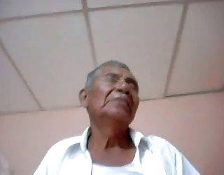 Les hommes âgés de la vidéo 00017 video de femme tres chaude